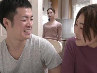Venu-947 Kaori Iiyama Stepmom Better Than My Girlfriend