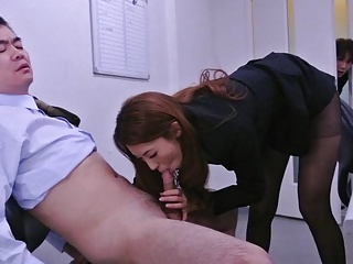 Japanese secretary Mai Takizawa sucks dick, uncensored