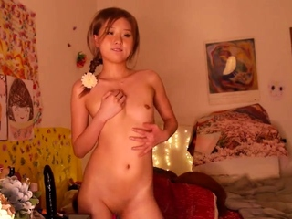Amateur Webcam Cute Teen Plays Solo with Big Dildo