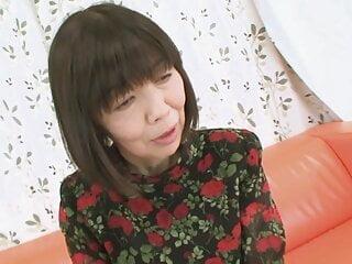 MATURE MILF from Japan - amateur creampie fucking